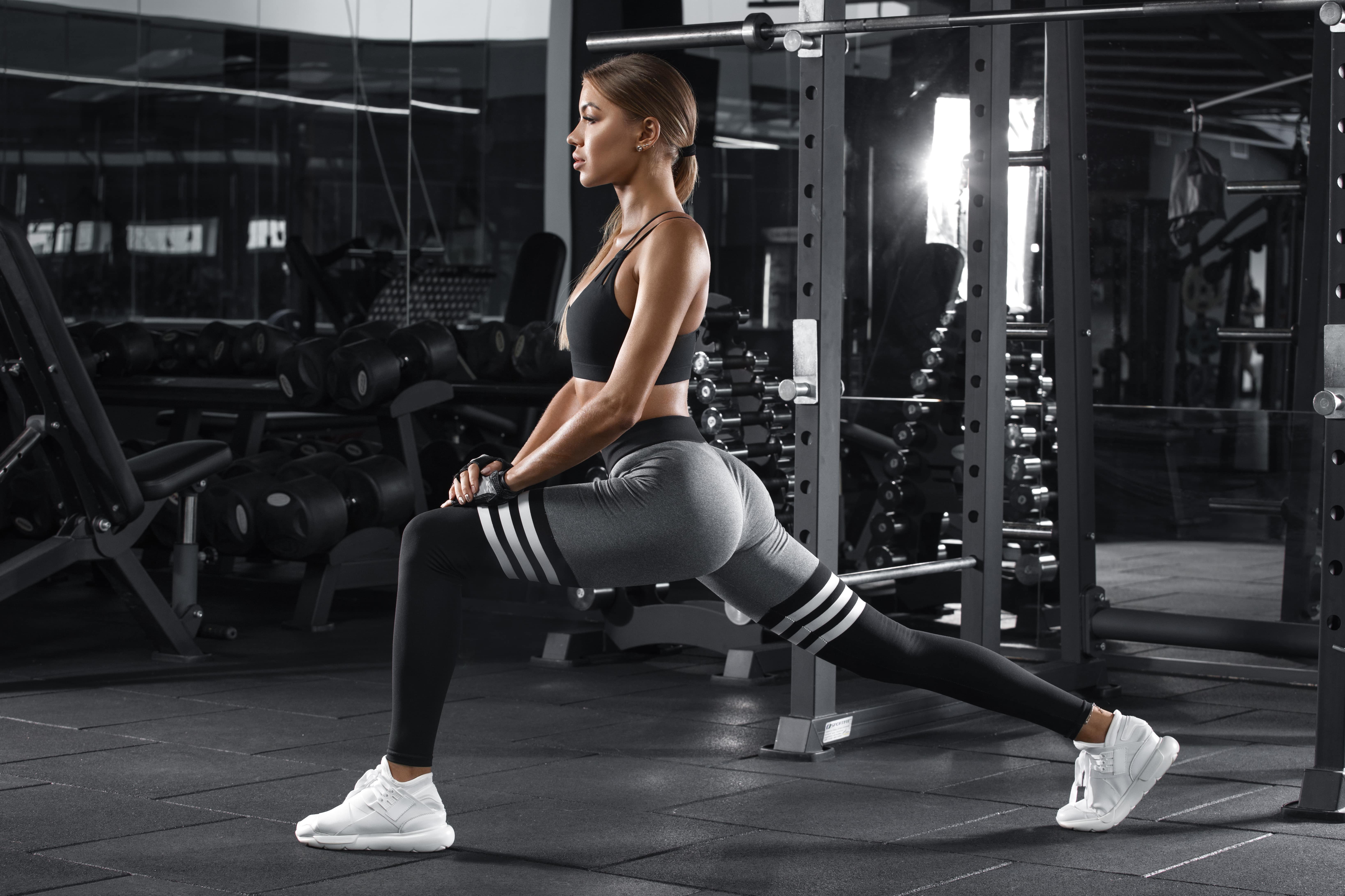 Woman showcasing front lunges
